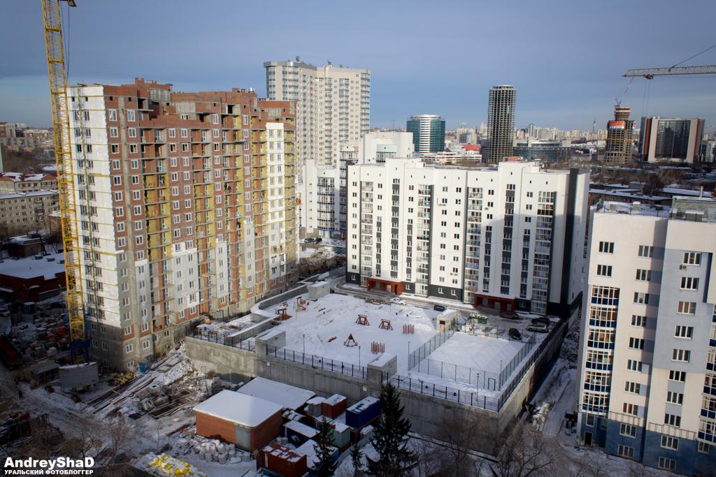 Двор новостройки в Екатеринбурге