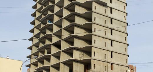 Заброшенное-17-этажное-здание