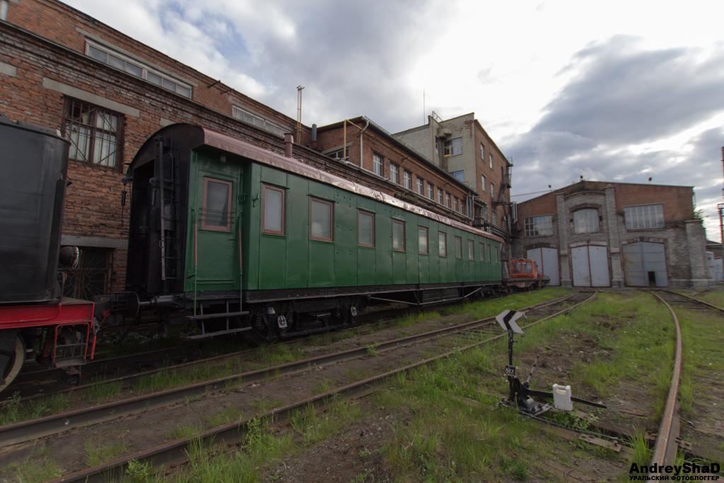 Паровоз Л-4372
