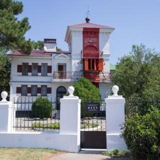Створчатый маяк в Геленджике