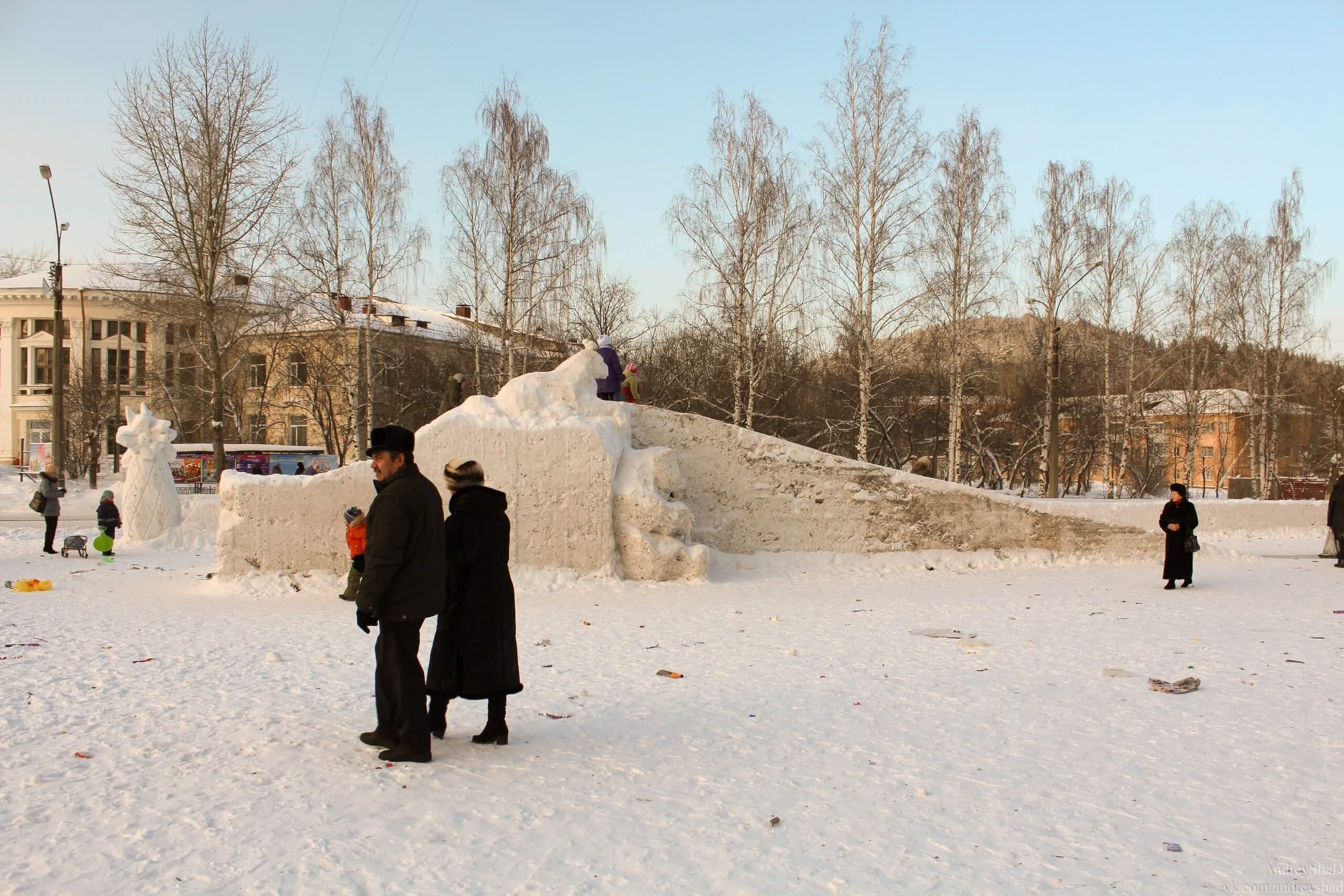 Нижнетуринский снежный городок