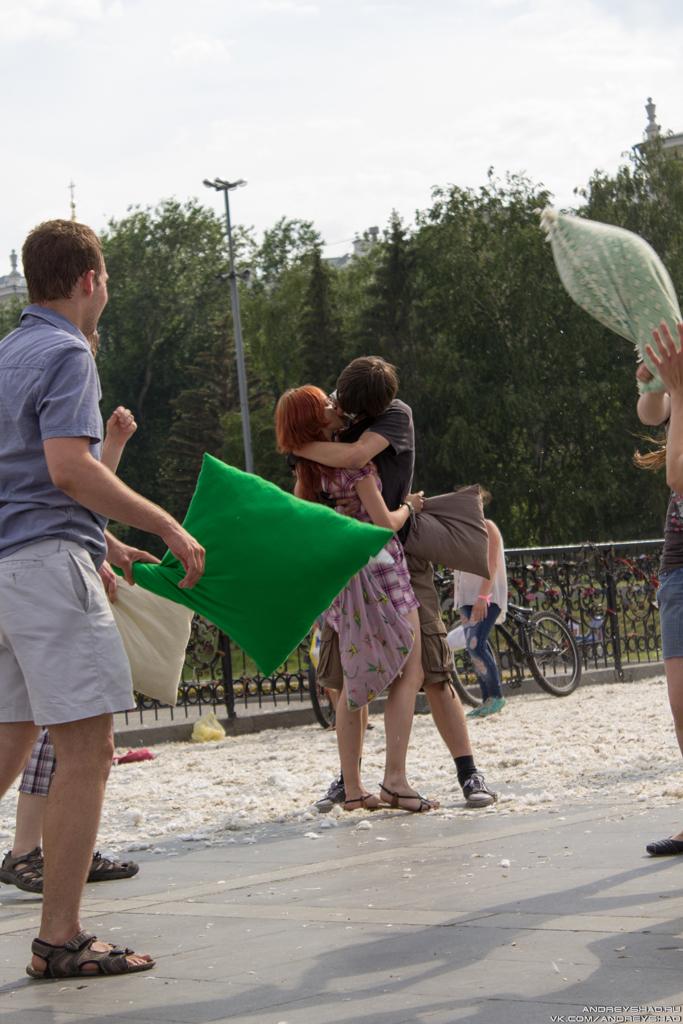 Флешмоб Битва Подушками в Екатеринбурге